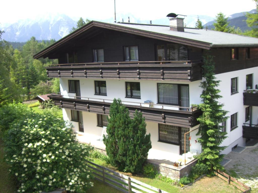 Apartment haus erna seefeld in tirol austria for Apartment haus