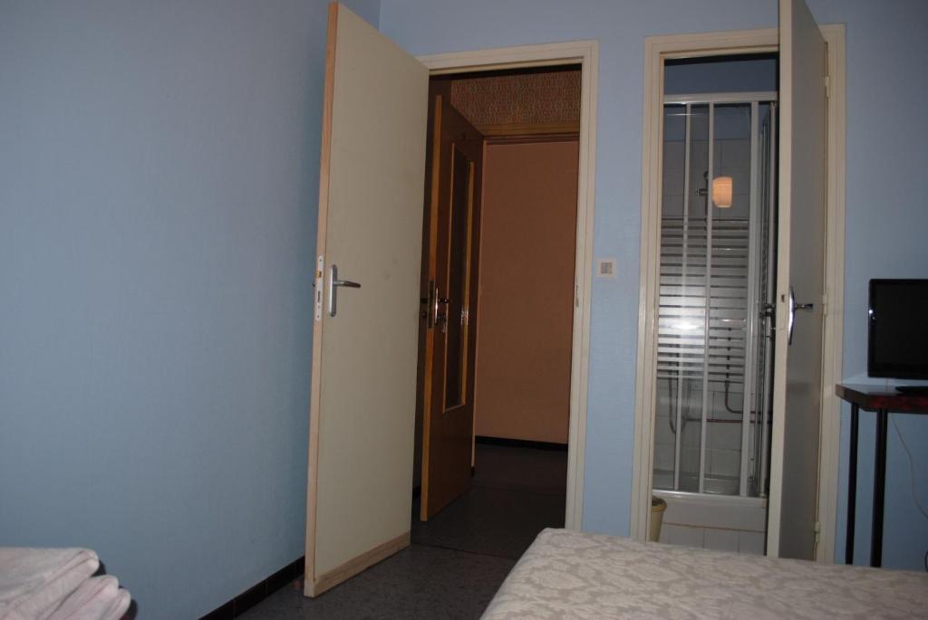 Le logis charmant portes l s valence book your hotel for Restaurant le loft portes les valence