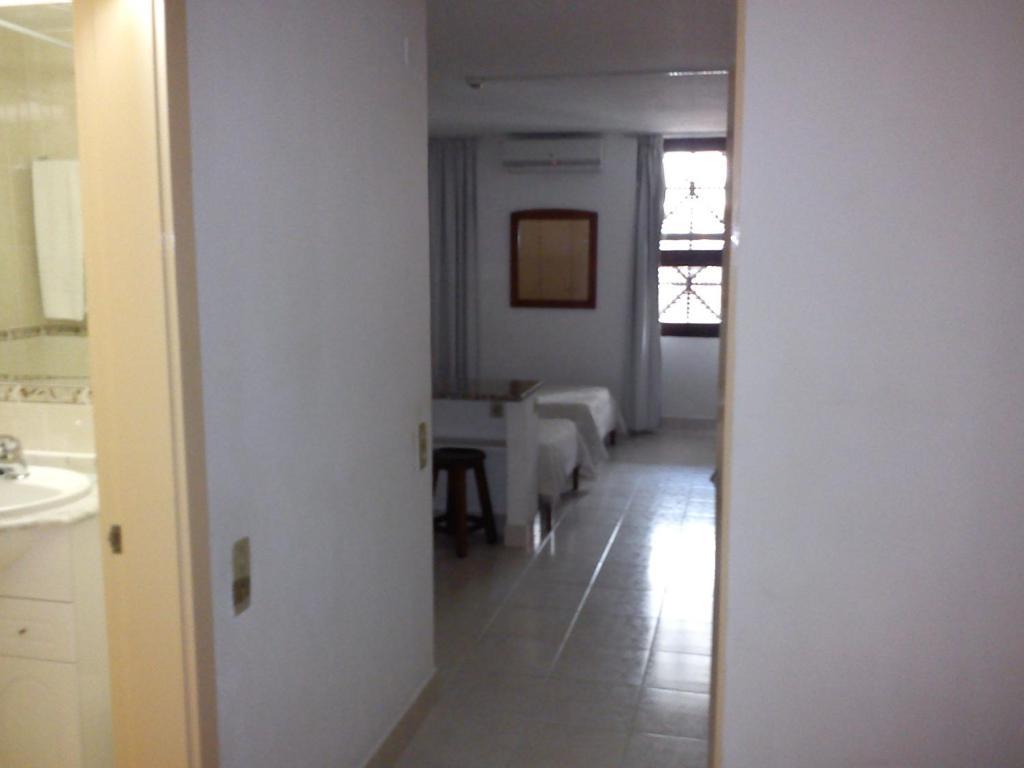 Edificio albufeira apartamentos albuturismo lda albufeira viamichelin informatie en - Kitchenette met stoelen ...