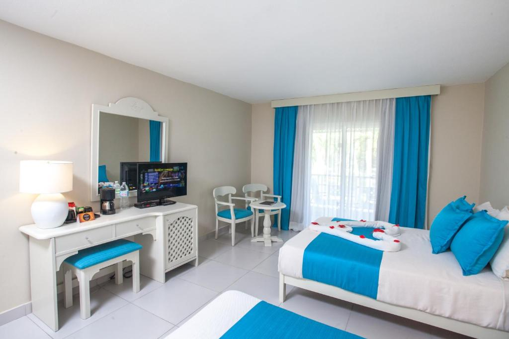 Vista sol punta cana beach resort spa all inclusive hig ey prenotazione on line - Bagno punta canna sottomarina ...