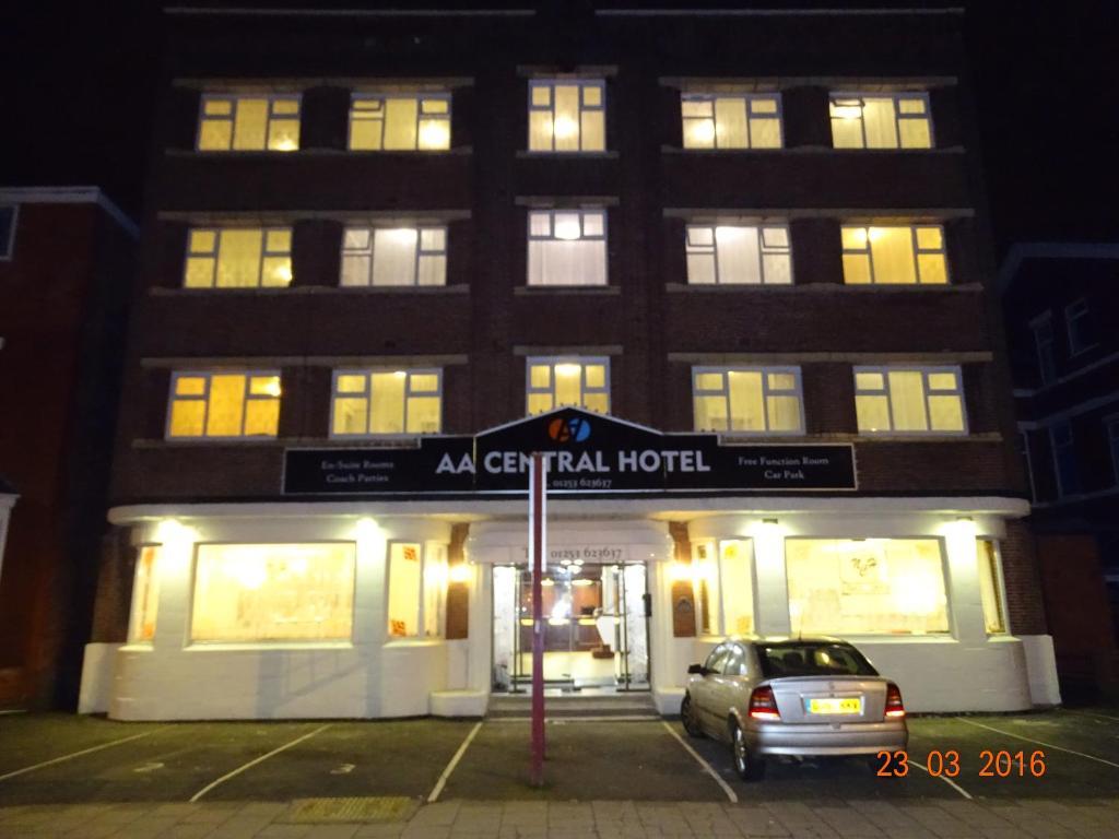 Reads Avenue Blackpool Hotels