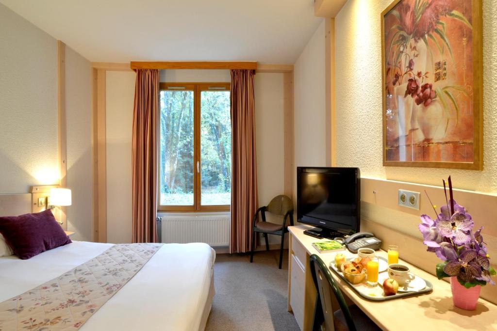 Hotel Le Bois Dormant Champagnole - Le Bois Dormant Champagnole ViaMichelin informatie en online reserveren