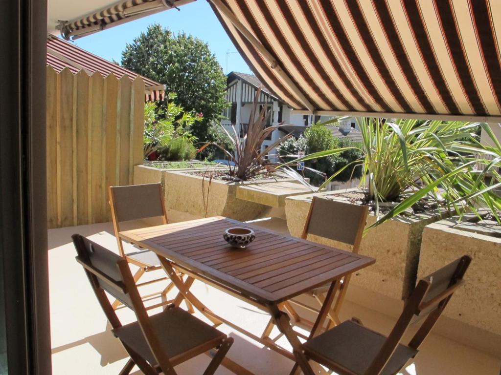 Appartement les jardins du moulleau appartement for Apart hotel arcachon