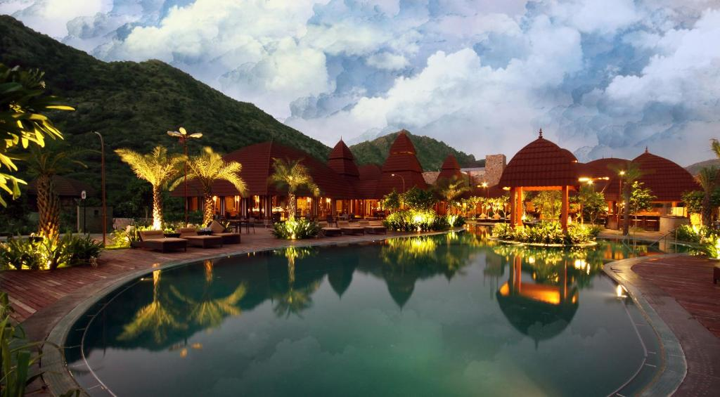 Panchgani India  city images : Hotel in India 2013: Ananta Spa And Resorts India Hotel