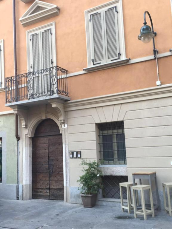 Appartamento monolocale in borgo dora appartamento nei for Borgo dora torino