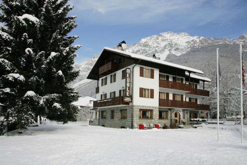 Meubl cima bianca garni bormio book your hotel with for Meuble cima bianca