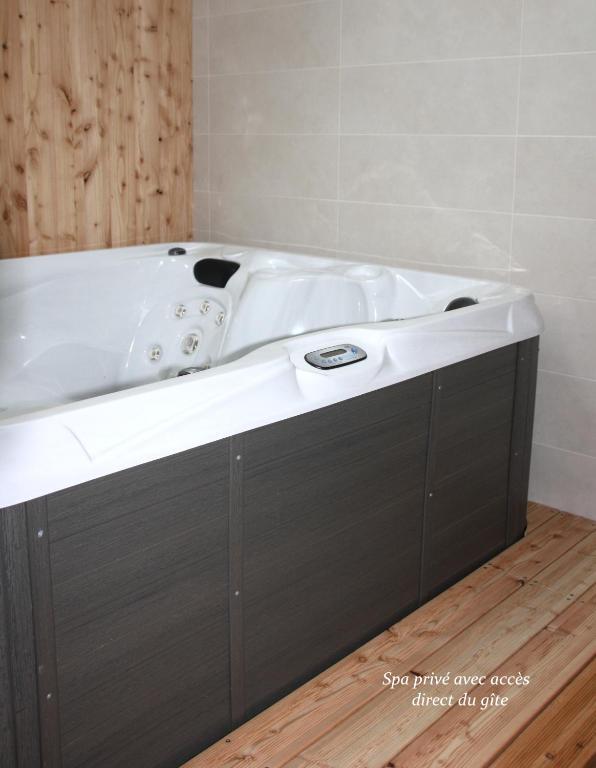 la grange de jeanne g te moosch dans le haut rhin 68. Black Bedroom Furniture Sets. Home Design Ideas