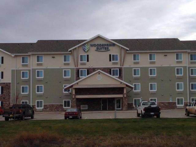 Woodspring suites watford city r servation gratuite sur for Q kitchen watford city
