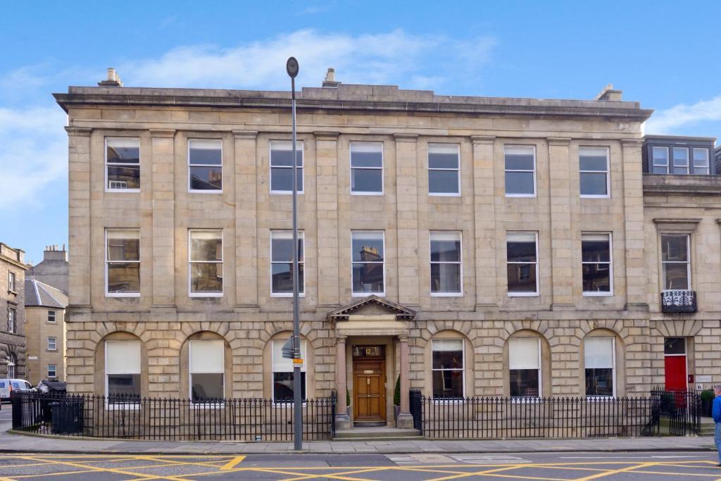 Apartment Destiny Scotland Distillers House Edinburgh Uk Booking Com