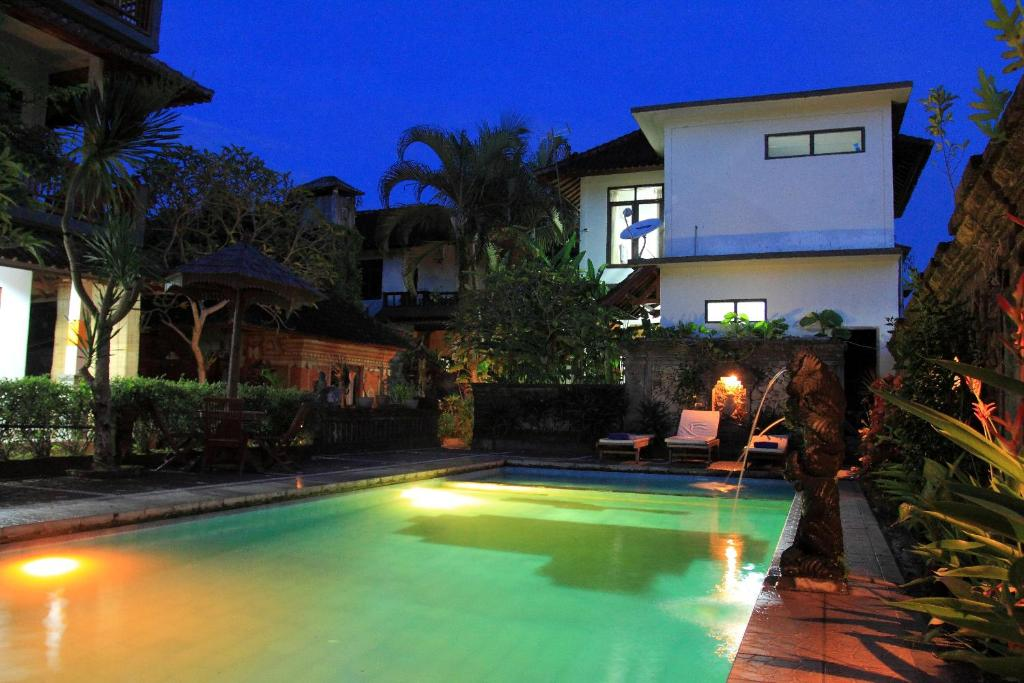 warsa 39 s garden bungalow and spa ubud book your hotel with viamichelin. Black Bedroom Furniture Sets. Home Design Ideas