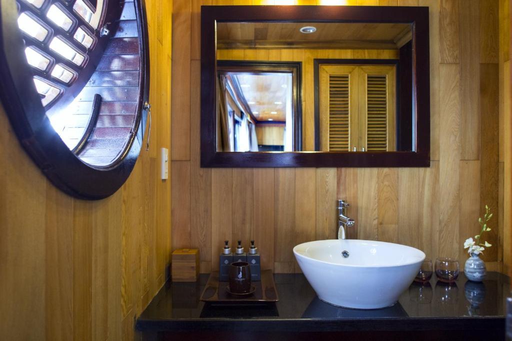 Phòng Luxury Giường Đôi/2 Giường Đơn với Cửa sổ - 2 Ngày 1 Đêm