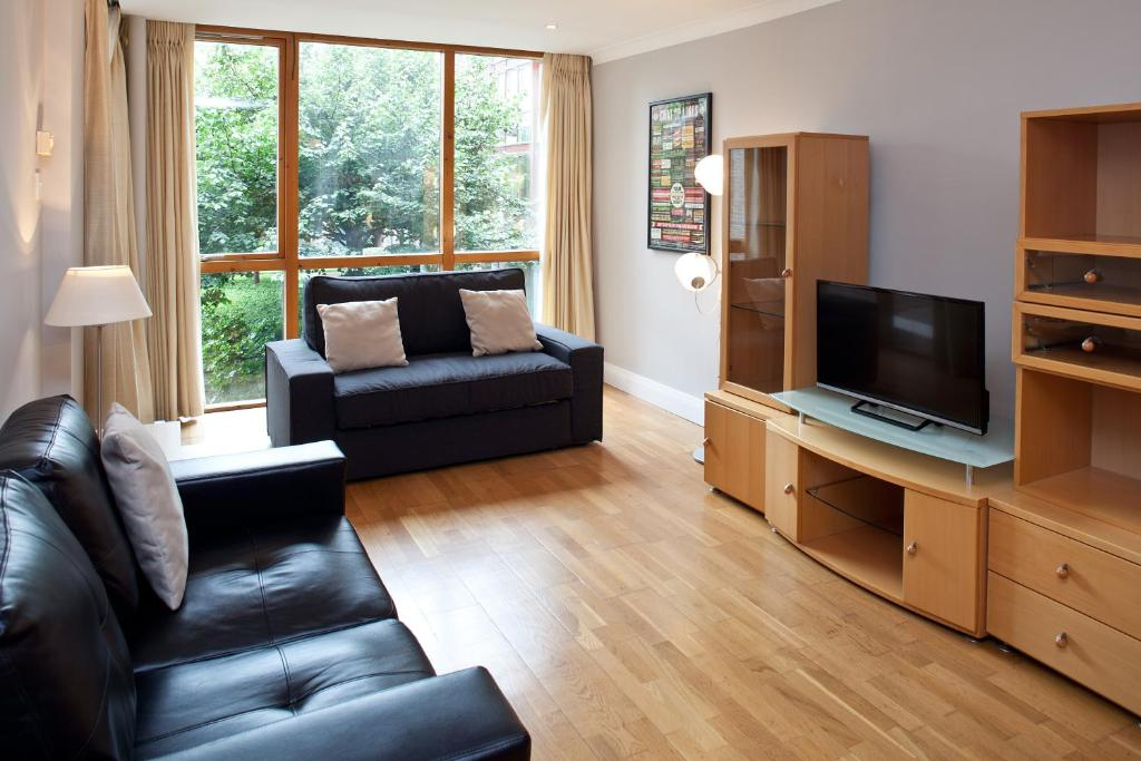 Luxury docklands apartment dublin book your hotel with for Appart hotel dublin