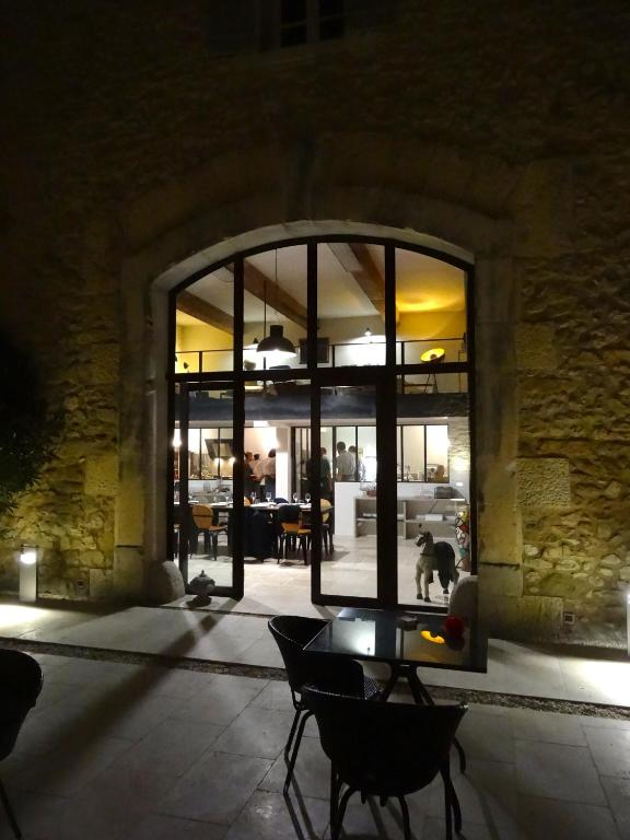 La cour des sens l 39 isle sur la sorgue book your hotel with viamichelin - La cour des sens ...