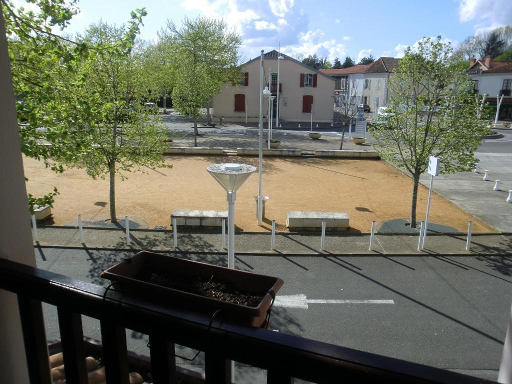 Hotel Restaurant Pontonx Sur L Adour