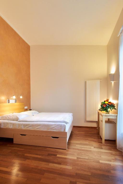 Town hotel wiesbaden wiesbaden online booking for Designhotel wiesbaden