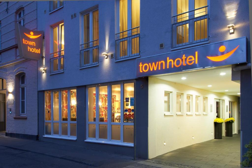 Town hotel wiesbaden r servation gratuite sur viamichelin for Designhotel wiesbaden