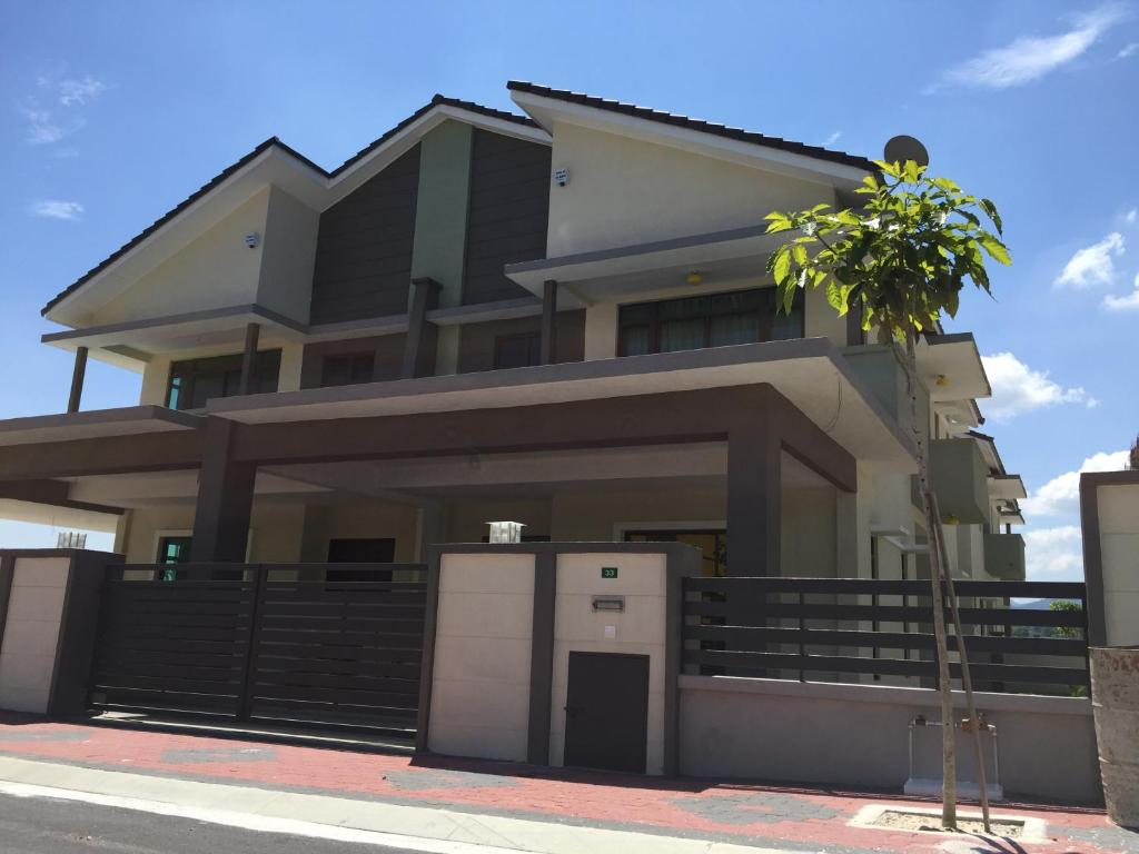 Comfy homestay meru ipoh ipoh reserva tu hotel con for Comfy hotels resorts