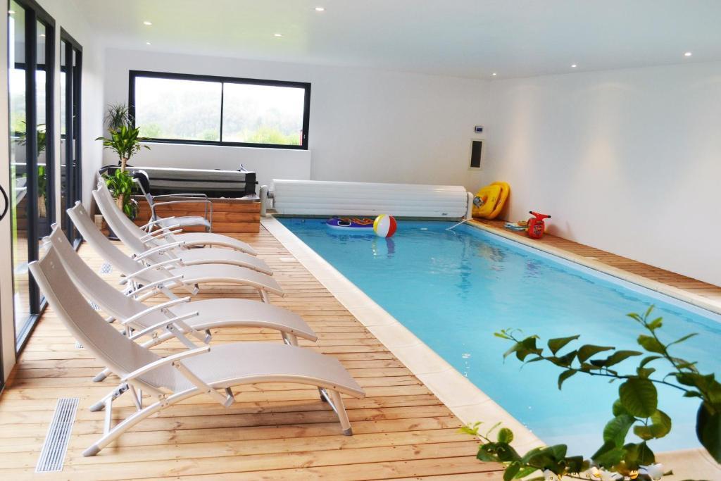 Chambre avec piscine privée et Spa, Casa rurale Saint-Martin l\'Hortier