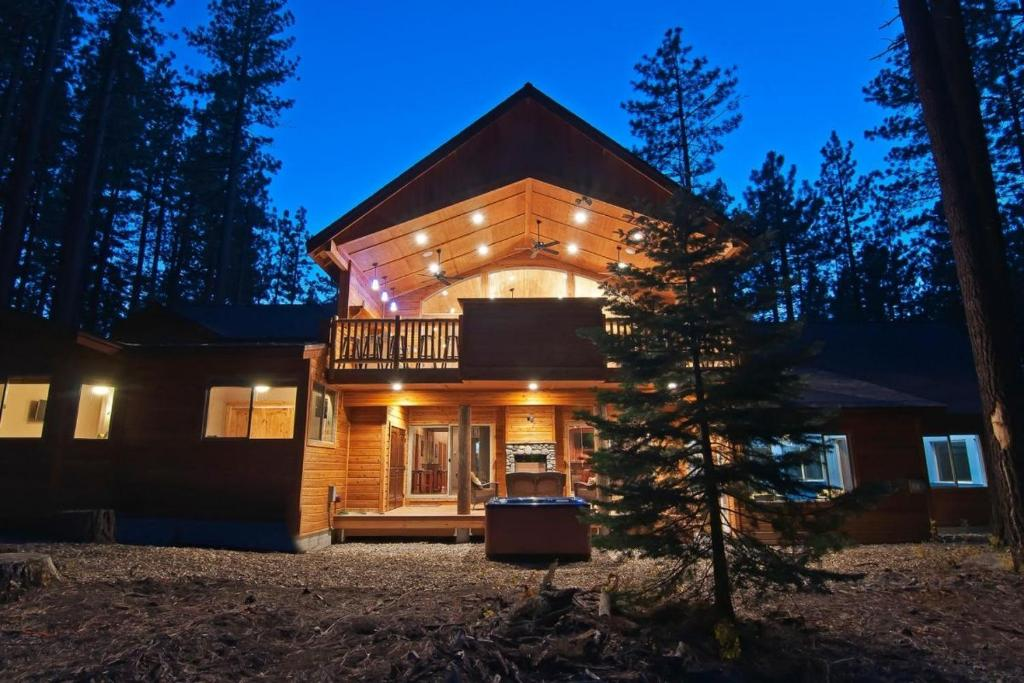 7 Bedroom 8 Bath Mansion With Indoor Pool Vacation Rental South Lake Tahoe Usa