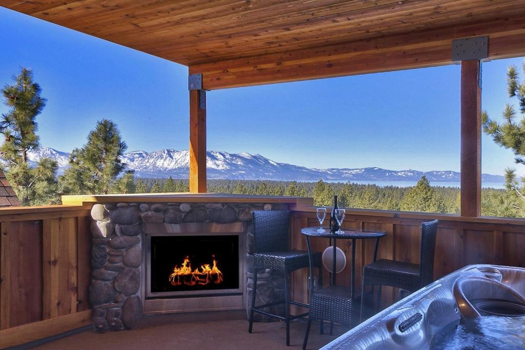 8 bedroom premier lux vacation rental holiday houses for 8 bedroom vacation homes