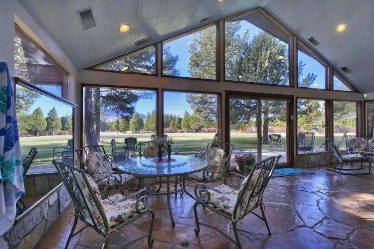 ferienhaus 7 bedroom on golf course w indoor pool vacation rental usa south lake tahoe. Black Bedroom Furniture Sets. Home Design Ideas