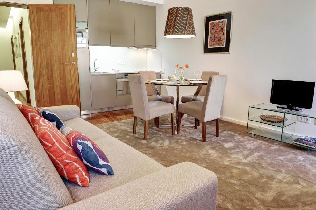 chambre d 39 h tes apartamento do g lgota chambres d 39 h tes porto. Black Bedroom Furniture Sets. Home Design Ideas