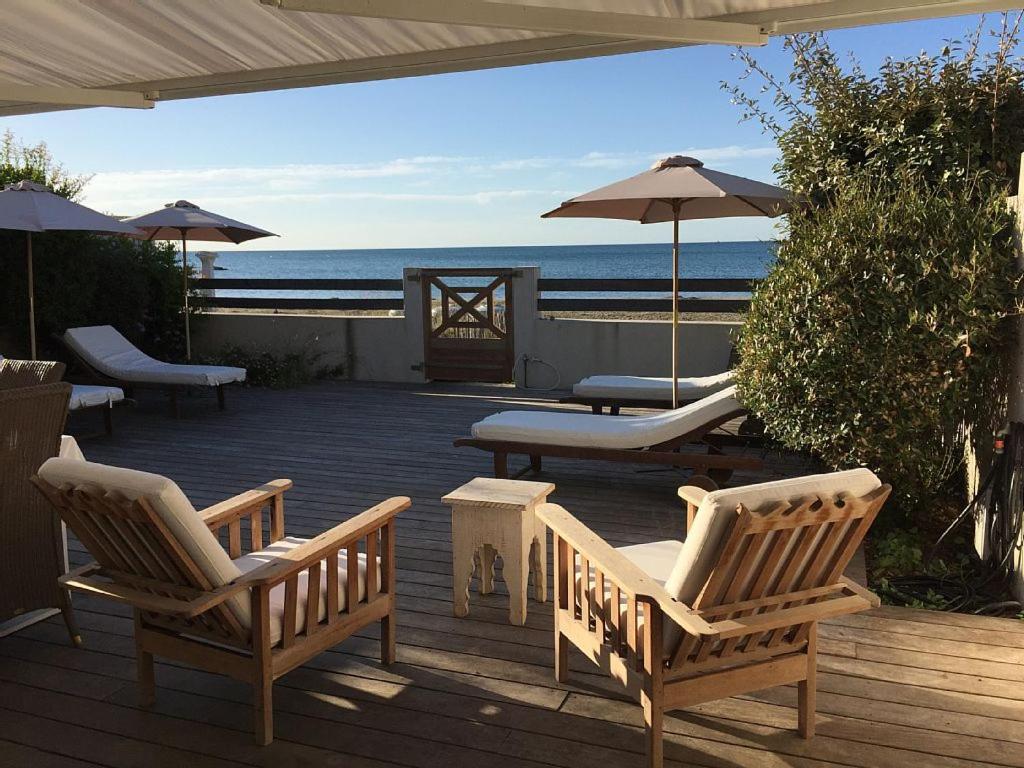 appartement spacieux bord de mer francia carnon plage. Black Bedroom Furniture Sets. Home Design Ideas