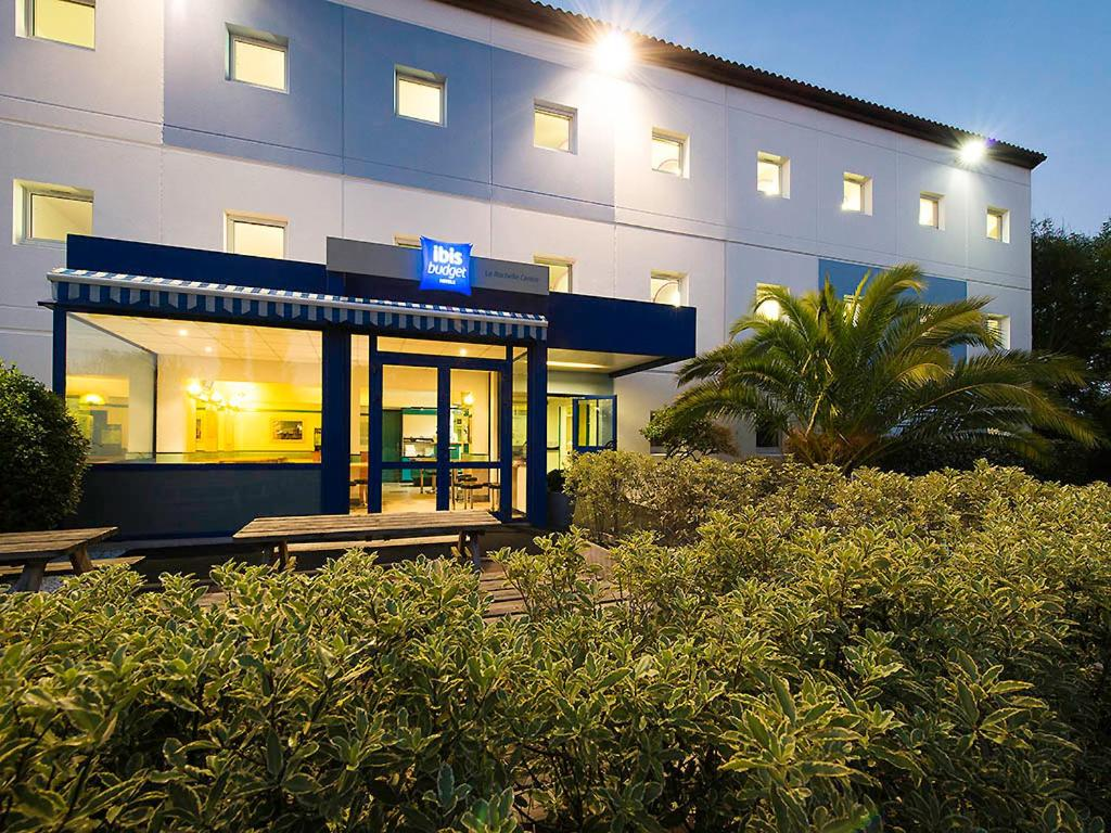 Ibis budget la rochelle centre la rochelle book your for Hotels la rochelle