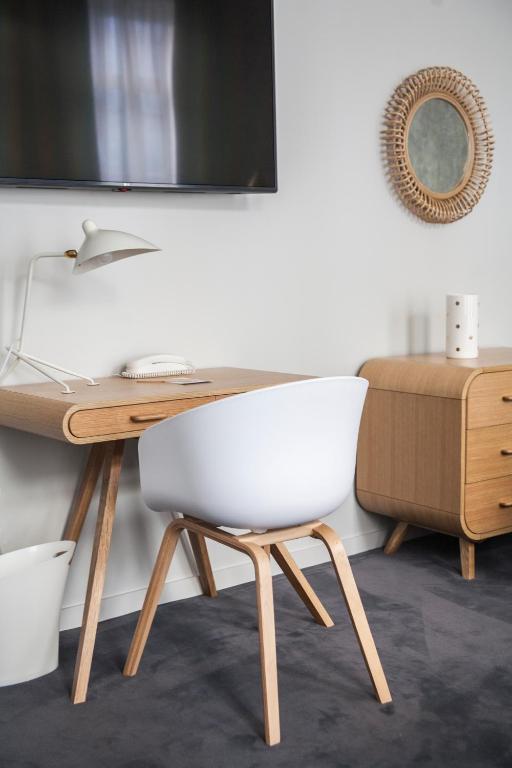 hotel de tourny bordeaux. Black Bedroom Furniture Sets. Home Design Ideas