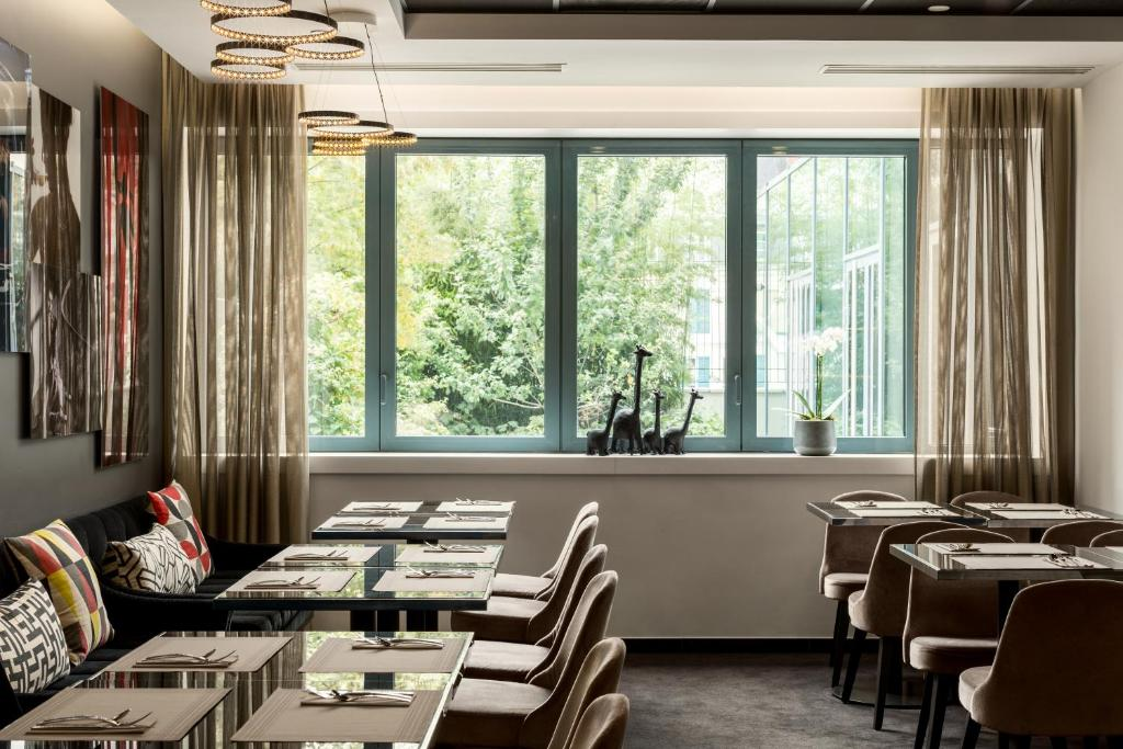 Ac hotel paris porte maillot by marriott neuilly sur for Hotel porte maillot
