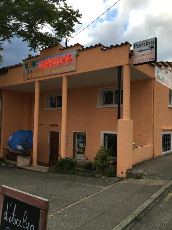 L 39 acilya le p age de roussillon reserva tu hotel con for 38150 roussillon