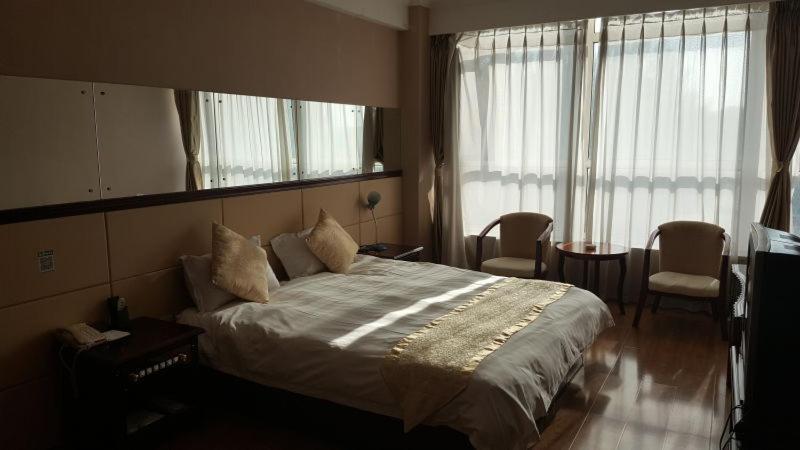 朝阳天福大酒店