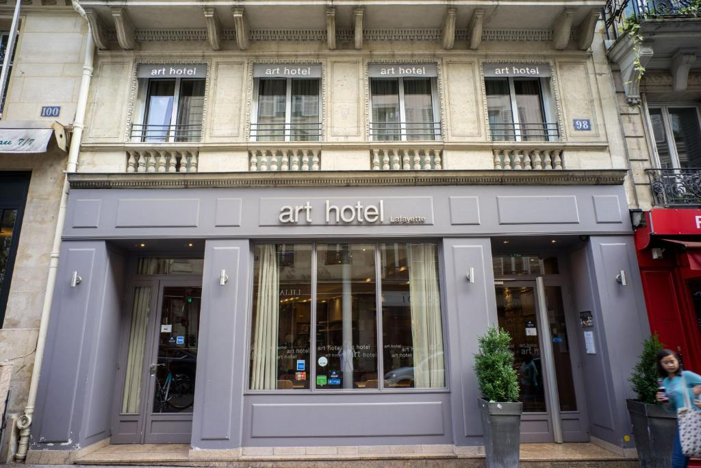 Art hotel lafayette paris book your hotel with viamichelin for Booking paris hotel