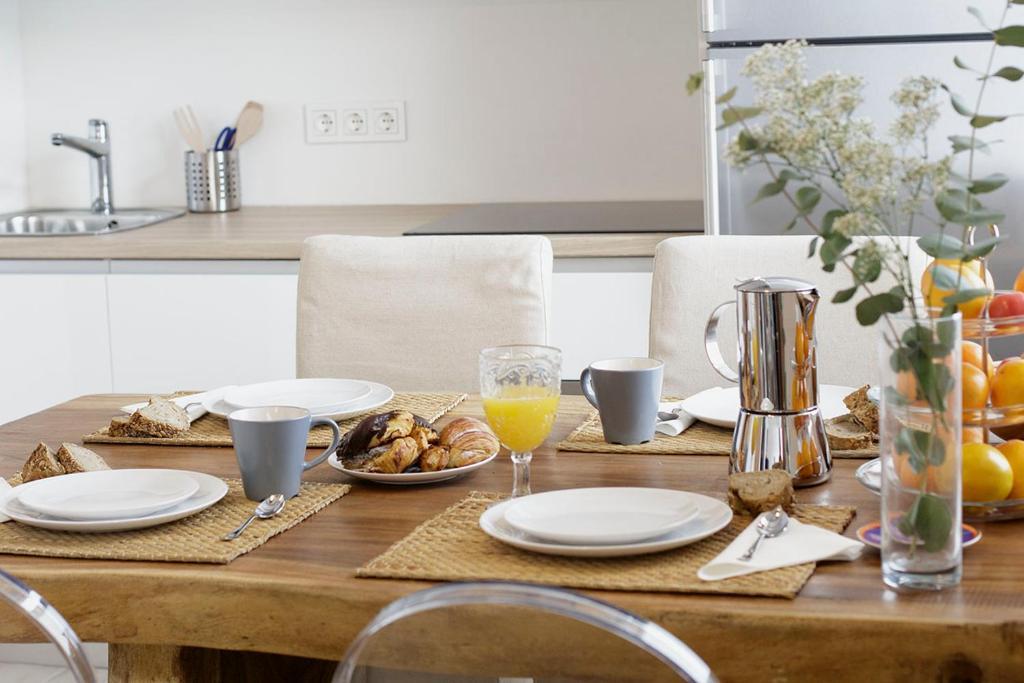 Ganexa home lasarte reserva tu hotel con viamichelin for Hoteles con habitaciones familiares en san sebastian