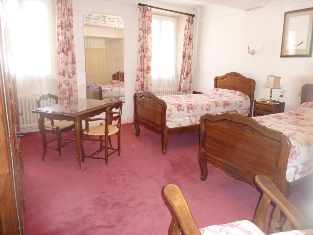 le grand paris digne les bains book your hotel with viamichelin. Black Bedroom Furniture Sets. Home Design Ideas