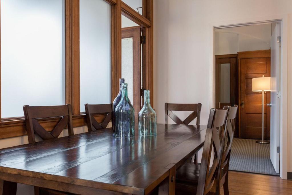 three bedroom apartment on west van buren street 1101 chicago il