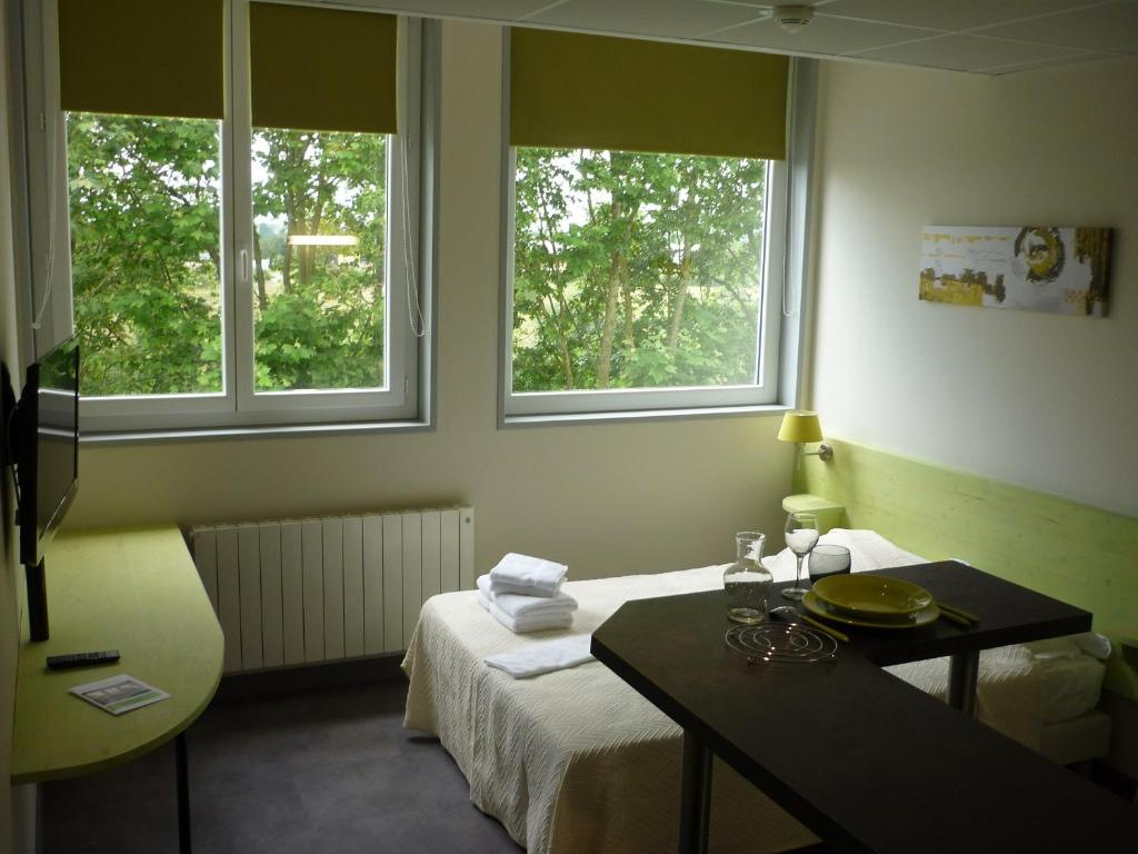 West appart 39 h tel niort informationen und buchungen for Appart hotel niort