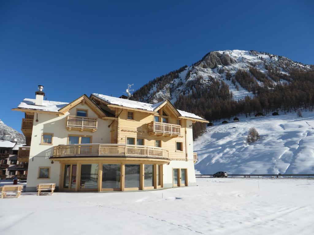 ecohotel b b chalet des alpes livigno livigno book. Black Bedroom Furniture Sets. Home Design Ideas