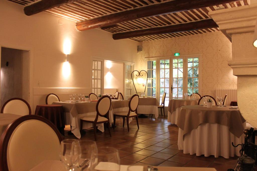 Hotel mas de cure bourse l 39 isle sur la sorgue book for Hotels isle sur la sorgue