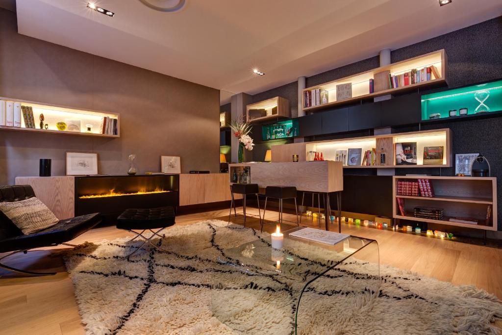 Hotel louvre rivoli paris book your hotel with viamichelin for Hotel booking paris