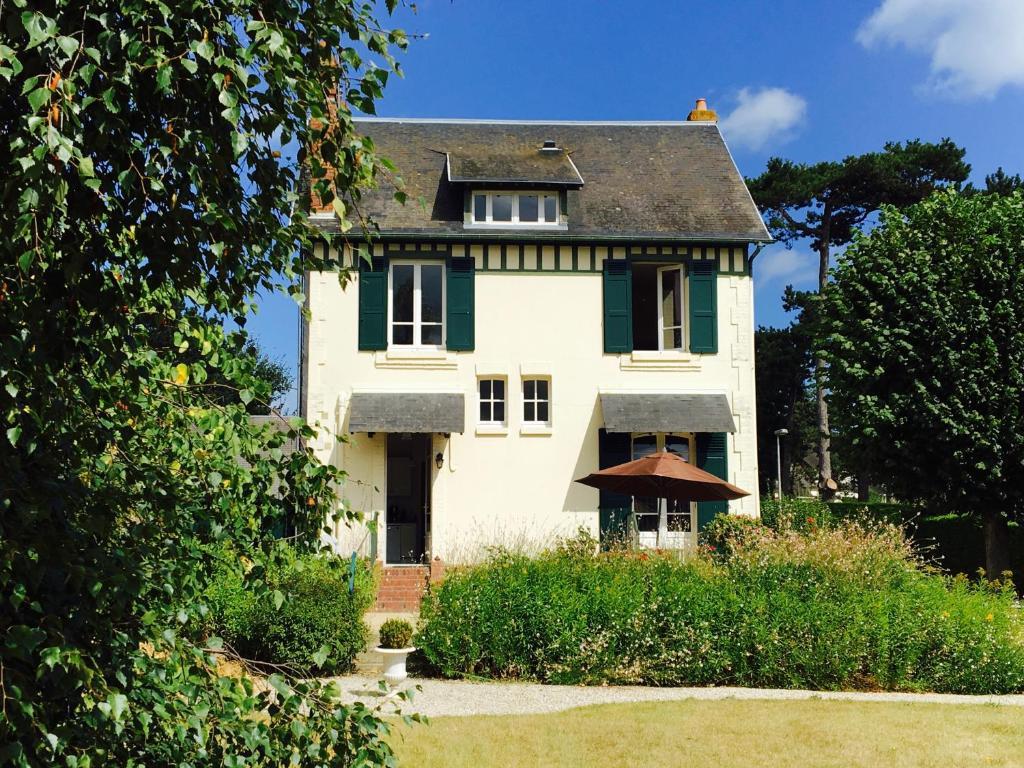 Maison de charme deauville normandie locations de vacances b nerville sur mer - Maison de charme normandie ...