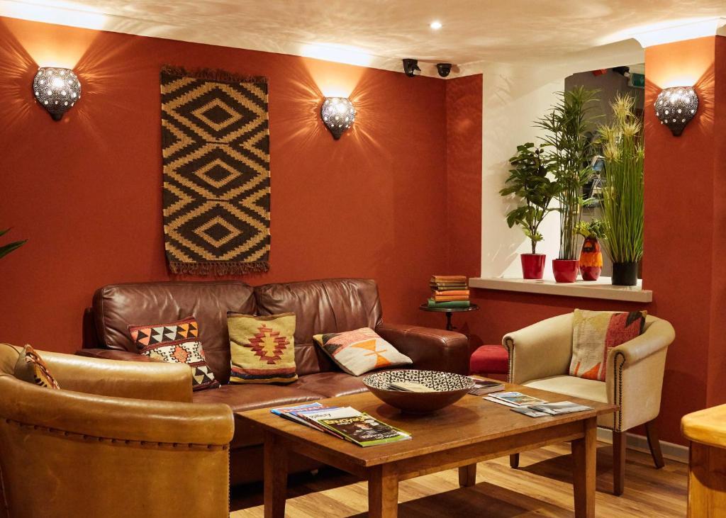 Ziggurat boutique hotel saint peter port book your for Boutique hotel booking