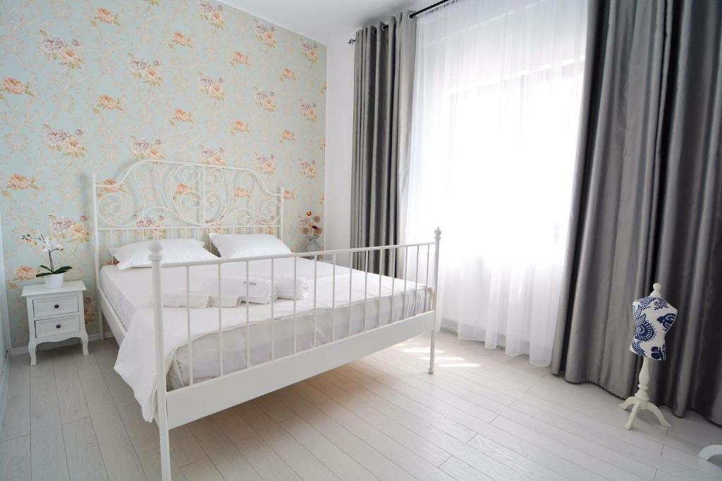 Boudoir apartment mamaia romania for Boudoir hotel