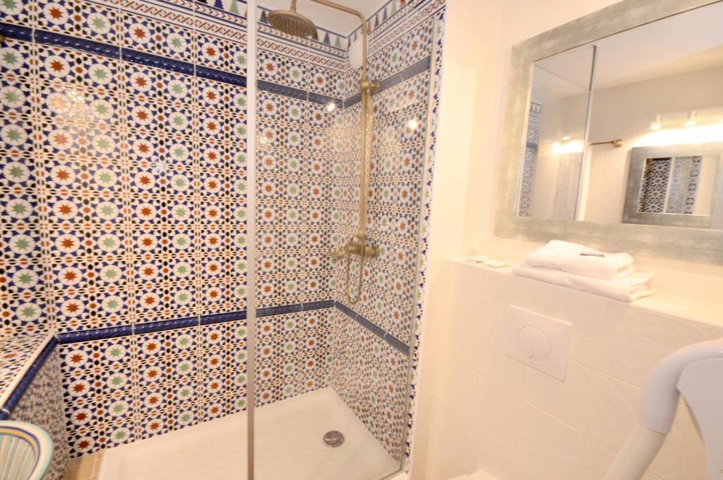 Green Hotels Sainte Genevi u00e8ve Sainte Genevi u00e8ve des Bois # Green Hotel Sainte Genevieve Des Bois