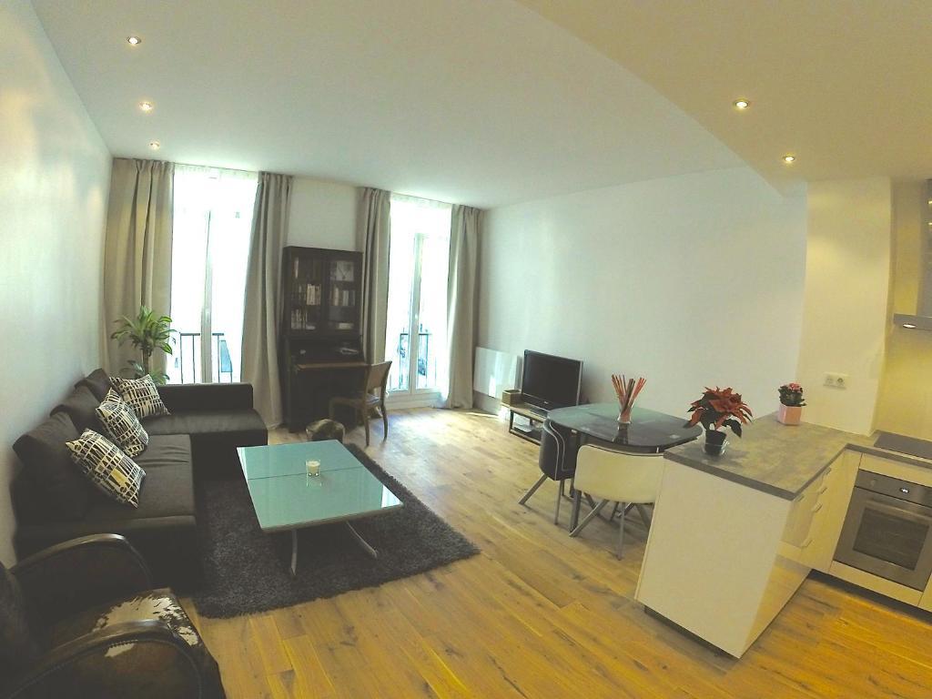 Appartement appart design plein centre marseille for Appartement design centre marseille vieux port