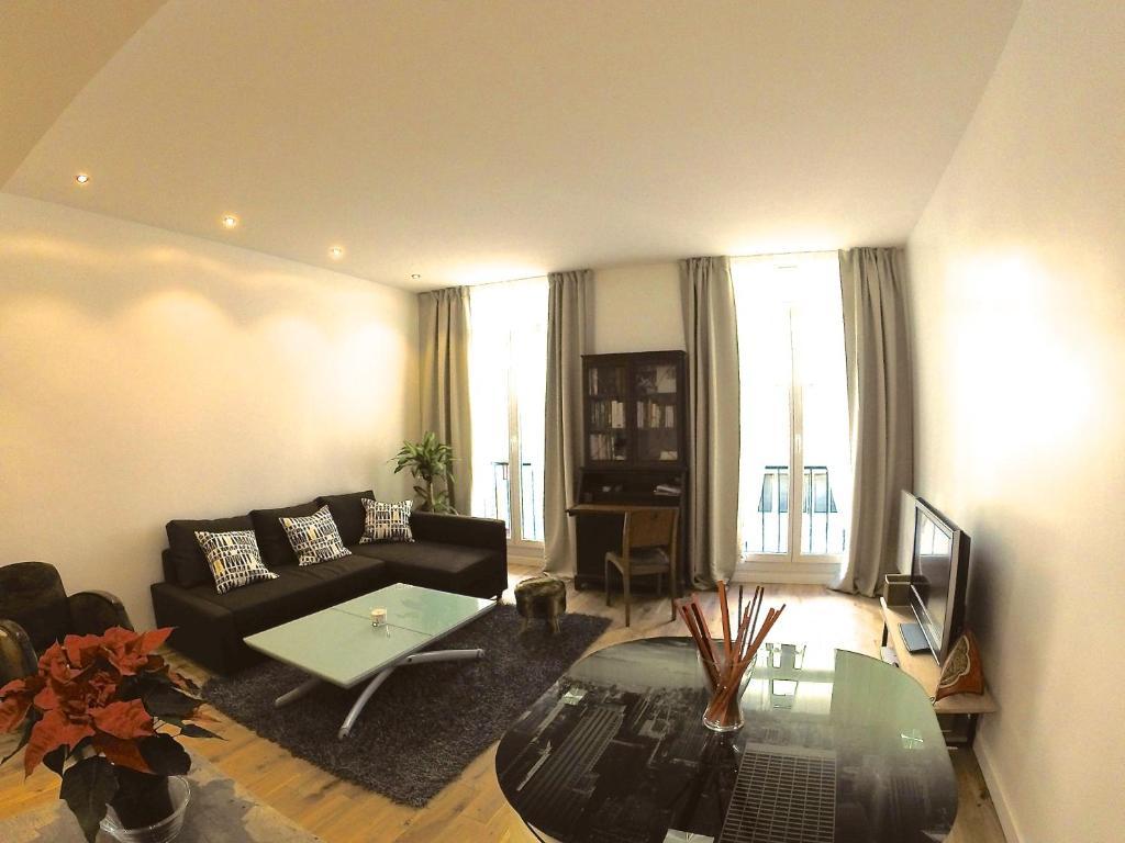 Appartement appart design plein centre marseille for Location appartement design