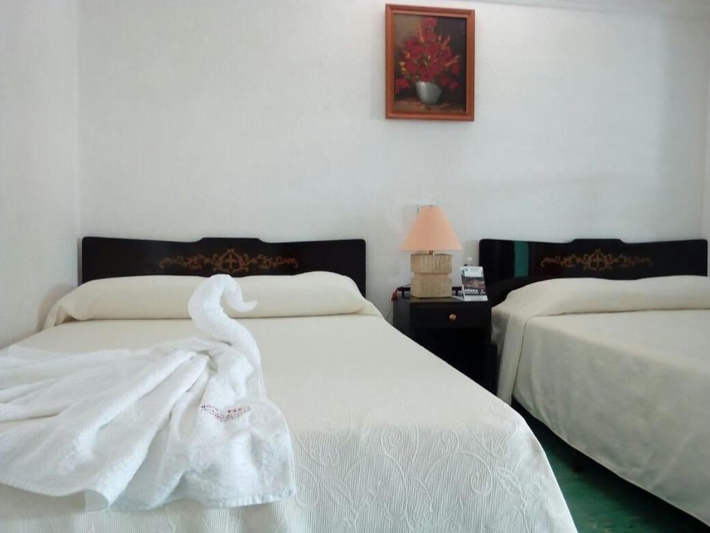 Hotel paris m rida online booking viamichelin for Reservation hotels paris