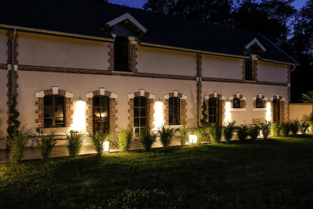 Chateau de la resle design hotels auxerre for Design hotel 21