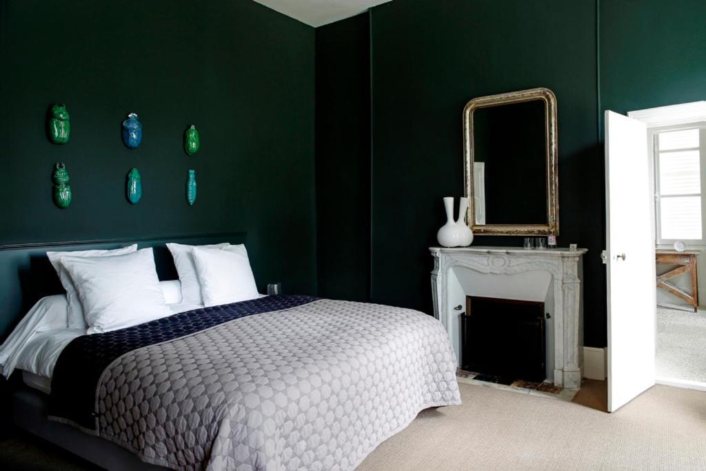 Chateau de la resle design hotels r servation gratuite for Design hotel 21