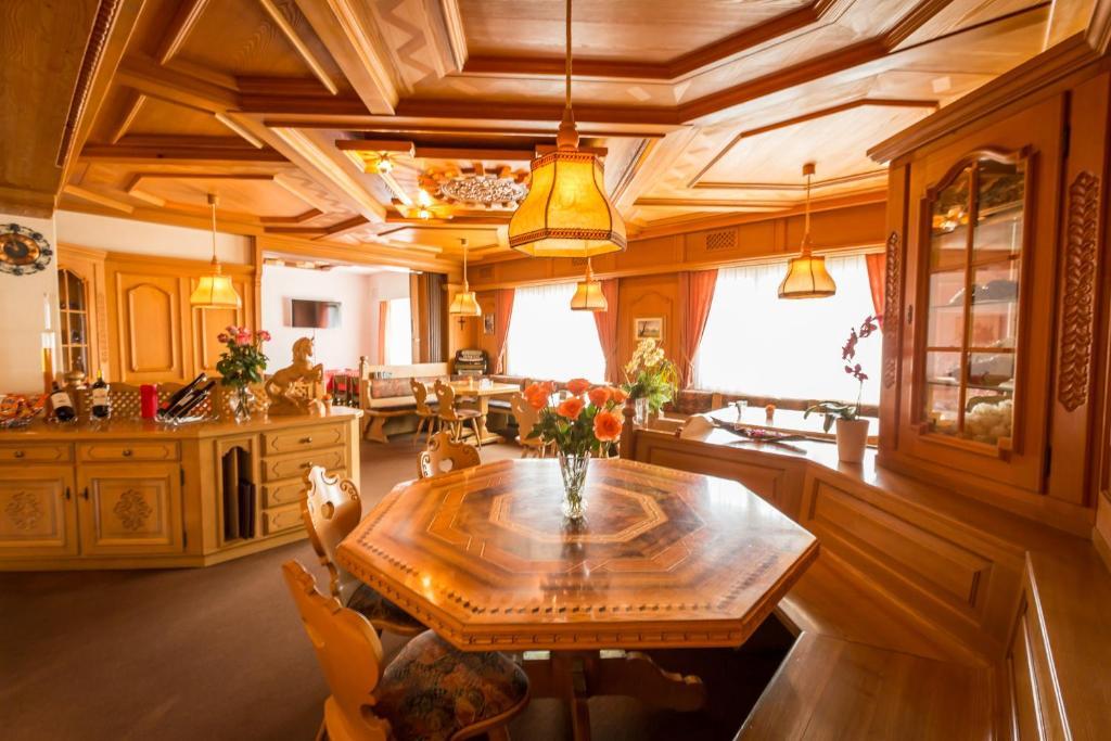Hotel restaurant franz anton r servation gratuite sur for Reserver hotel payer sur place